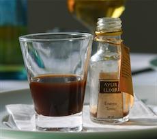 Im Restaurant Vital wird auf ayurvedische Küche gesetzt: der Wellness-Aperitif. Quelle: beauty24 GmbH