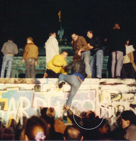 Fall der Berliner Mauer 1989, Brandenburger Tor. Quelle: A. Patten