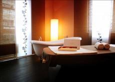 Stellen Sie sich diesen für Ihre Entspannung bereiten Wellness-Bereich einfach in vollkommener Dunkelheit vor / Quelle: beauty24 GmbH