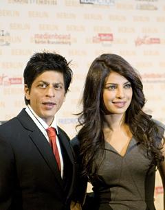 Die Bollywoodstars Sha Ruhk Kahn und Priyanka Chopra in Berlin. Quelle: Benjamin Krauss / beauty24