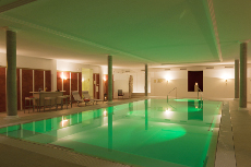 Reisen Sie in das 4-Sterne-Hotel in Bad Wildbad und freuen Sie sich auf den neuen Panoramapool / Quelle: Hotel Bad Wildbad / beauty24 GmbH