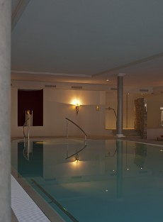 Wellness-Ambiente im neuen Panoramapool / Quelle: Hotel Bad Wildbad/ beauty 24 GmbH