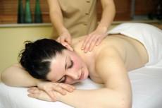 Massagen sind entschlackend und erh�ren den Effekt des Fastens / Quelle: beauty24, Wellnesshotel bei Warnem�nde