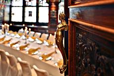 """Schöne Liebe zum Details im historischen Restaurant """"Ingelheimer Zimmer"""" Quelle: Radisson blu Schwarzer Bock, Wiesbaden / beauty24"""