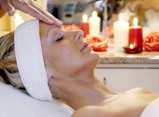 Lehnen Sie sich zur�ck und erneuern Sie Ihre Energien mit der Magnetfeldtherapie! Quelle: Kur- und Wellness-Hotel in Heviz / Ungarn / beauty24 GmbH