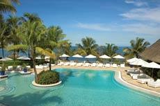 Bei diesem Anblick ist Fernweh vorprogrammiert - so schön ist die Poollandschaft des Maritim Hotels Mauritius! Quelle: Maritim Hotel Mauritius / beauty24 GmbH