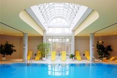 Der lichtdurchflutete Spa-Bereich des Hotels in Weimar l�dt zum Verweilen ein. Quelle: Hotel & Spa in Weimar / beauty24 GmbH