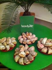 11.11.11: beauty24 den Karnevalsbeginn mit s��en Pfannkuchen!!! Quelle: beauty24 GmbH