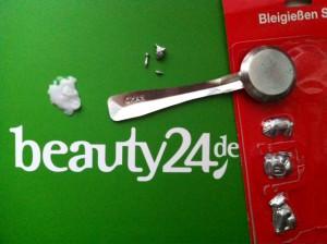 """Beim Silvesterbrauch """"Bleigießen"""" können alle Lagen des Lebens in Gesellschaft & mit Spaß gedeutet werden / Quelle: beauty24 GmbH - Janin Knöbel"""
