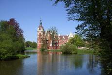 Zeit zum Wohlfühlen! Nutzen Sie einen Brückentag und verreisen Sie über den 1. Mai 2012 davon. Quelle: Wohlfühlhotel in Bad Muskau / beauty24 GmbH