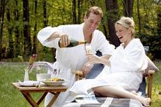 2für1 Wellness in Waren, die 2. Person spart 130 Euro auf den Reisepreis! Quelle: Wellnesshotel in Waren / Müritz - beauty24 GmbH