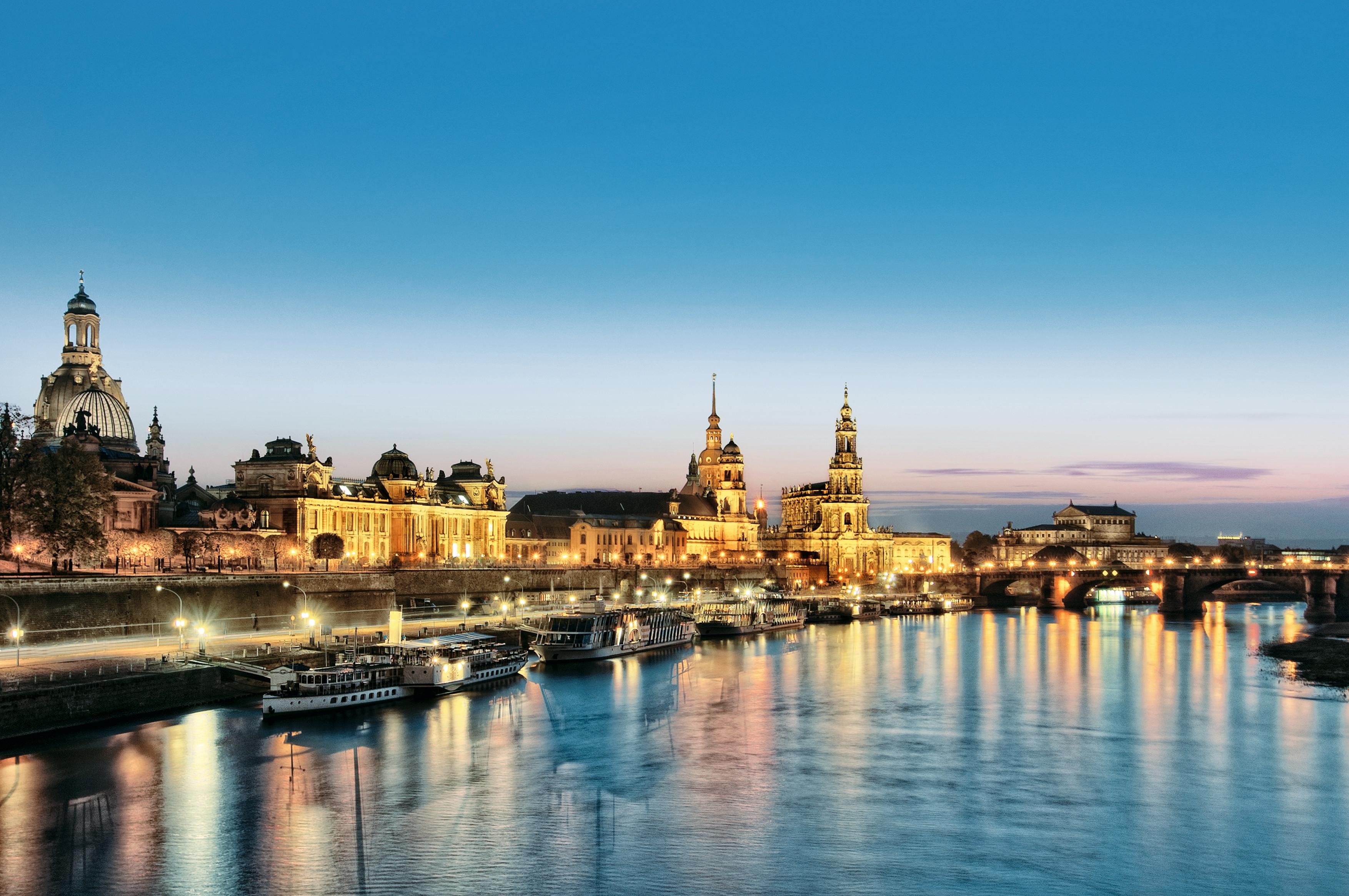 Genießen Sie Freiluftkino am Elbufer in Dresden!