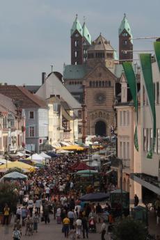 Genießen Sie das bunte Treiben auf dem Bauernmarkt in Speyer!