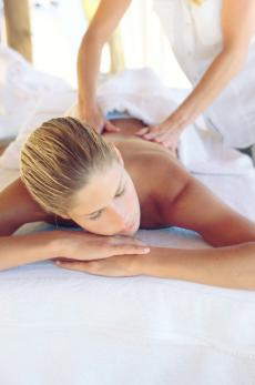 Entspannen Sie bei einer Abhyanga Massage und vergessen Sie den Alltagsstress!