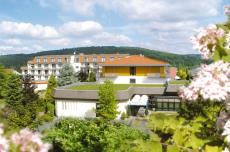 Das Hotel in Bad Salzschlirf bietet einen schönen Ausblick auf die grüne Rhön-Welt!