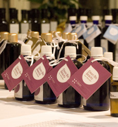 Achten Sie bei einer Massage darauf, dass ein ätherisches Öl verwendet wird. Quelle: beauty24 GmbH
