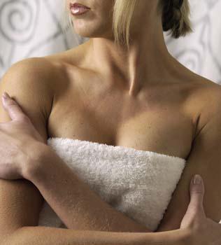 5 Wellness-Anwendungen für ein schönes Dekolleté / Quelle: beauty24 GmbH