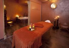 Lehnen Sie sich zurück und relaxen Sie im Wellness-Bereiches des Thermenhotels!