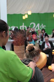 Erleben Sie wohltuende Thai-Massagen auf der Aktionsfl�che in der Wellnesshalle 16!