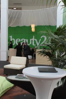 Kommen Sie zum Networken in die beauty24 Wellnesslounge!
