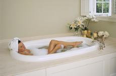 Gönnen Sie sich ein pflegendes Molkebad und starten Sie erfrischt in den Frühling!