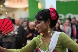 Indonesische Tänzerin auf der ITB