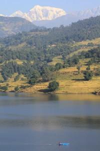 Die eindrucksvolle Kulisse des Begnas Sees