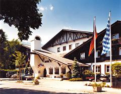 Das Wellnesshotel in Garmisch besticht durch seine wundervolle Lage mit Blick auf die Alpen. Quelle: beauty24 GmbH, Wellness in Garmisch-Partenkirchen