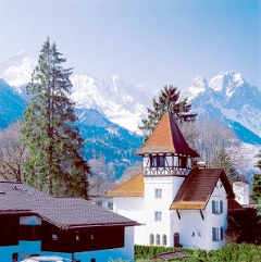 Idyllischer Alpenblick vom Wellnesshotel in Garmisch. Quelle: beauty24 GmbH, Wellness in Garmisch-Partenkirchen