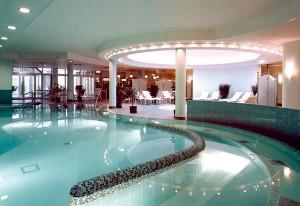Schwimmbad im Beauty & Spa Hotel Binz