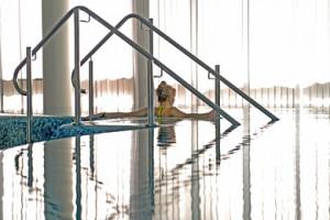 Entspannung im Pool in Berlin Spandau