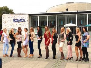 Das sind die 12 Sommermädchen-Finalistinnen 2013 / © R. Fricke