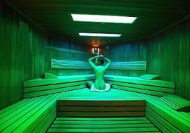 In der Sauna den Winter genießen