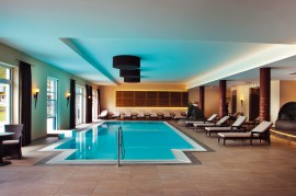Kunst & Design im Poolbereich