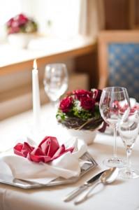 Tisch gedeckt_rosen-l
