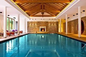 Entspannung pur verspricht der Pool im Wellness-Hotel im Hunsrück