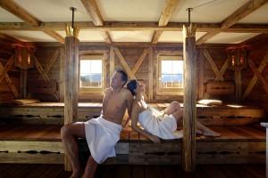 Entspannung bringt zum Beispiel auch die Holzbohlensauna