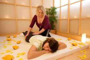 Die Shiatsu Massage hat Ähnlichkeiten mit der Yumeiho-Massage - beide kommen aus Japan