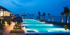 Luxuri�ser Hauptpool vom Resort. Quelle: Vedana Lagoon Resort & Spa, Vietnam / beauty24 GmbH