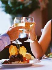 Leckeres Essen,gute Stimmung und eventuell ein Glas zu viel?