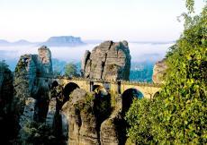 Die Basteibrücke bietet eine einzigartige Aussicht