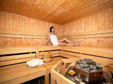 In der Sauna entspannen & den Alltag vergessen