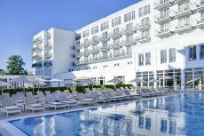 Das Hotel Resort mit großem Außenpool