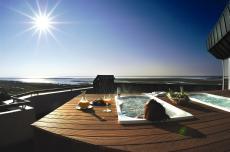 Thalasso-Bad auf der Dachterrasse des Hotels