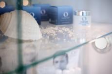 Zertifizierte Naturkosmetik mit reinem Algenextrakt / Quelle: Wellness im Ostseebad Hohwacht - beauty24 Gmbh