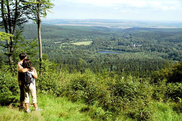 Atemberaubender Blick ins Tal. Quelle: Wellness in Friedrichroda, Thüringer Wald - beauty24 GmbH