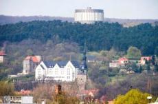 Ausblick auf das Hotel, die Landschaft & das Panorama Museum. Quelle: Wohlfühlhotel in Bad Frankenhausen - beauty24 GmbH