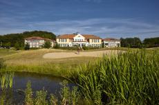Hotel mit Golfanlage in der Naturkulisse / Quelle: Spa & Golfhotel in der Lüneburger Heide - beauty24 GmbH