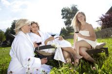 Gem�tlich mit einem Glas Wein in Oberjoch entspannen. Quelle: Wellnesshotel in Oberjoch - beauty24 GmbH