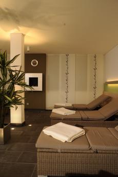 Im Ruheraum können Sie relaxen und nachruhen. Quelle: Wellness in Bad Sachsa, Harz - beauty24 GmbH